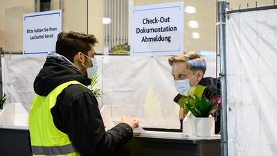 Viele offene Fragen: Mancherorts wie hier in Mainz wird der Corona-Impfbetrieb in Probe-Impfzentren bereits geübt. Doch es ist noch gar nicht klar, wer die begehrte Impfung zuallererst erhalten soll.