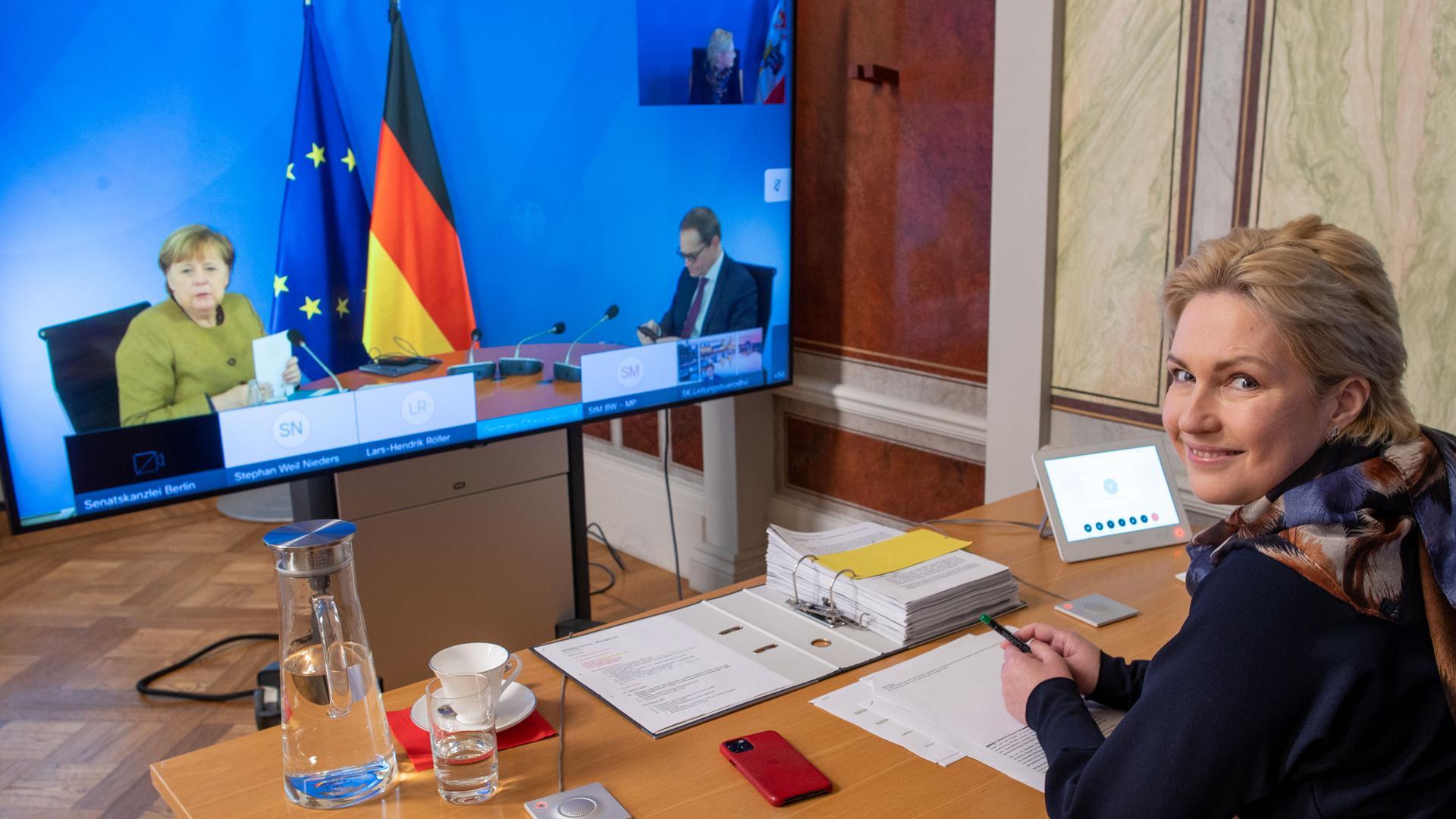 Tauziehen zwischen Bund und Ländern: Die Ministerpräsidentenkonferenzen der Corona-Zeit, hier mit Manuela Schwesig (SPD), Landeschefin Mecklenburg-Vorpommern, haben oft gezeigt, dass die Kompromissuche durch parteipolitische Interessen überlagert wird.