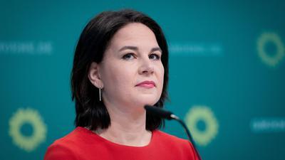 Annalena Baerbock, Bundesvorsitzende von Bündnis 90/Die Grünen, stellt den Entwurf des Grünen-Wahlprogramms für die Bundestagswahl. Über das Wahlprogramm stimmt der Parteitag im Juni ab. +++ dpa-Bildfunk +++