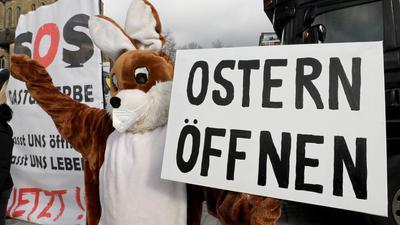 Vergebliches Warten auf die frohe Osterbotschaft: Vor den Beratungen drängten einige Länder auf leichte Lockerungen für die Feiertage, sie konnten sich jedoch nicht durchsetzen.