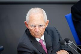 Wolfgang Schäuble (CDU), Bundestagspräsident, spricht während der Sitzung des Bundestags. Thema ist die epidemische Lage von nationaler Tragweite. +++ dpa-Bildfunk +++
