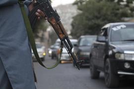 Kontrolle auf den Straßen: Die Taliban haben die Hauptstadt Kabul eingenommen. In anderen ländlicheren Gegenden Afghanistans müssen die Bürger schon länger mit der Bedrohung durch die radikalen Islamisten umgehen.