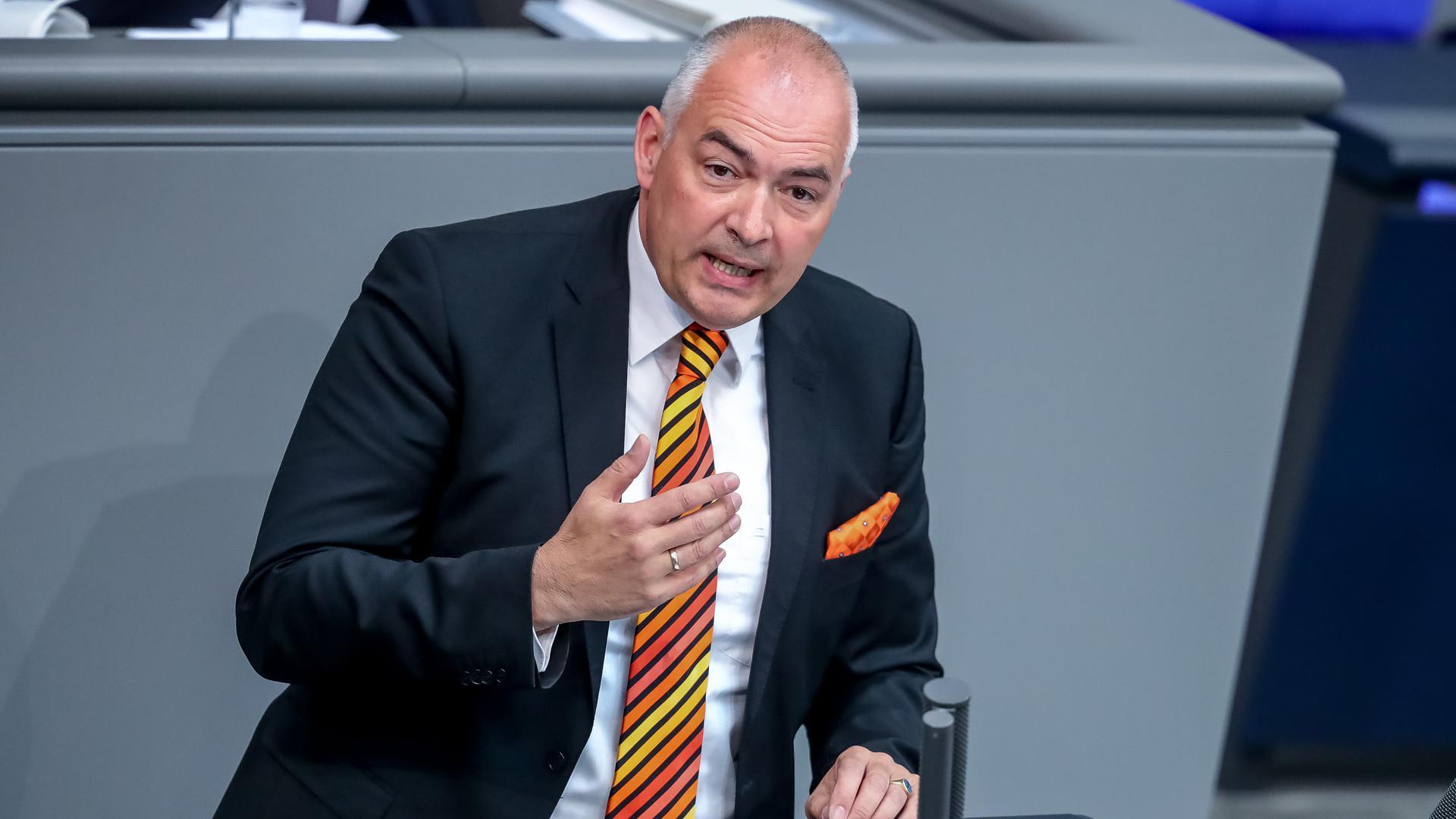 Axel Fischer (CDU) spricht im Bundestag.