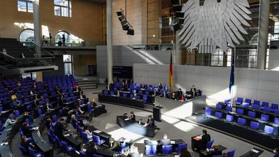 Andreas Scheuer (CSU), Bundesminister für Verkehr und digitale Infrastruktur, spricht bei der Befragung der Bundesregierung im Deutschen Bundestag.