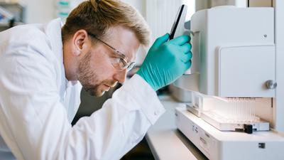"""Bio-Hightech """"made in Baden-Württemberg"""": Die schwäbische Firma Curevac testet gerade ihren Corona-Impfstoffkandidaten, arbeitet aber auch an einem neuen Vakzin der zweiten Generation."""