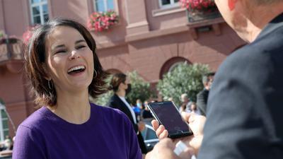 Emotionaler Auftritt in Karlsruhe: Die Spitzenkandidatin der Grünen, Annalena Baerbock, verriet im Gespräch mit den BNN, dass ihre beste Freundin im Publikum auf dem Marktplatz zugehört habe.