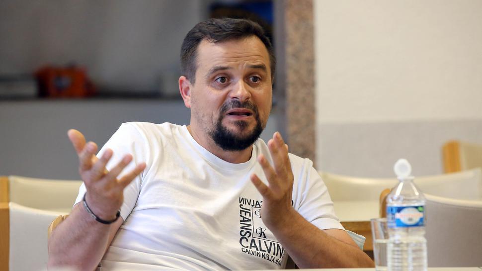 Im Bus versteckt: Senad Osmanovic entkam im Alter von 14 Jahren der Erschießung durch serbische Soldaten.