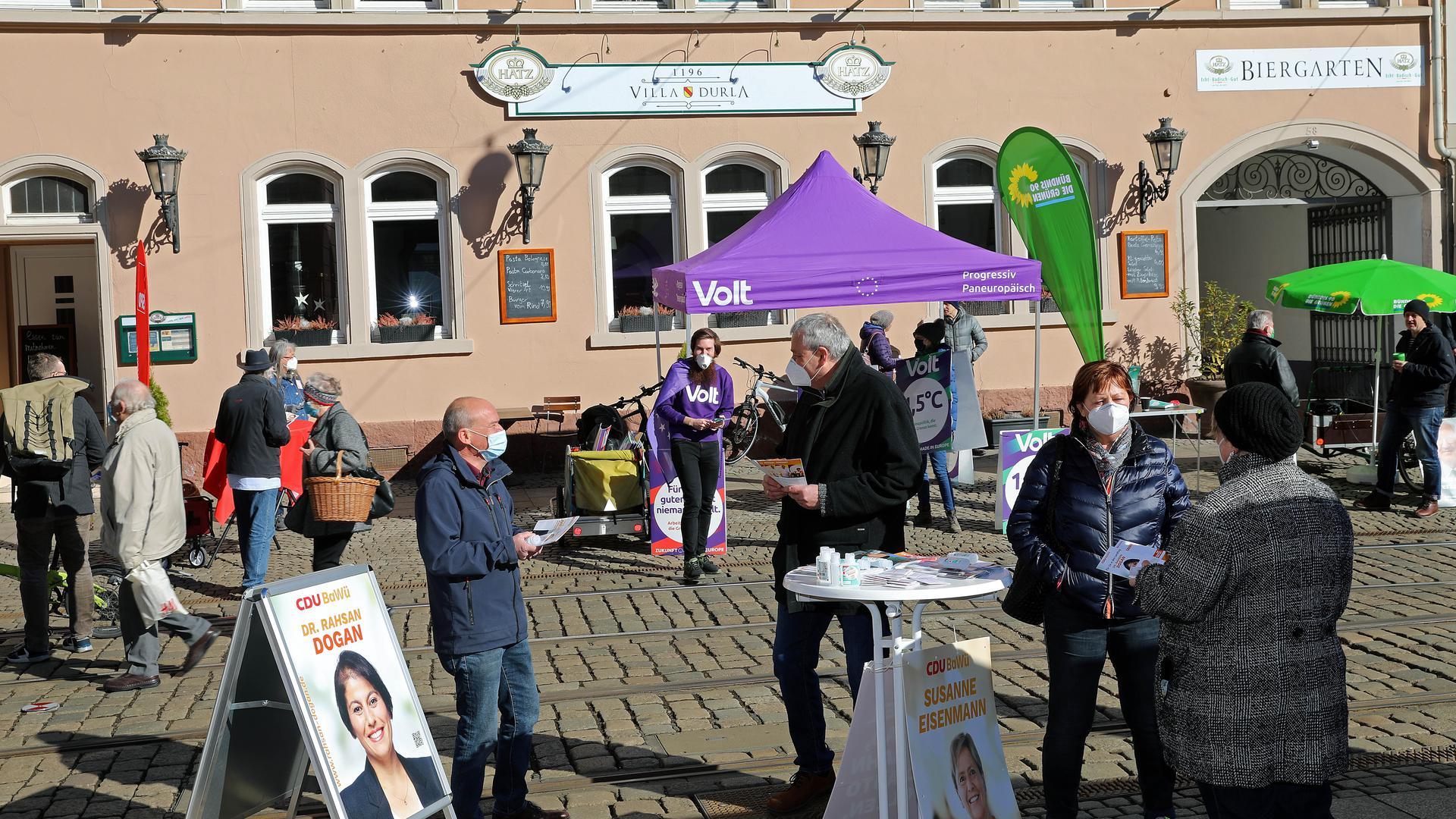 © Jodo-Foto /  Joerg  Donecker// 6.03.2021 Wahlkampf zur Landtagswahl 2021, Foto: Durlach beim Marktplatz,                                                               -Copyright - Jodo-Foto /  Joerg  Donecker Sonnenbergstr.4  D-76228 KARLSRUHE TEL:  0049 (0) 721-9473285 FAX:  0049 (0) 721 4903368  Mobil: 0049 (0) 172 7238737 E-Mail:  joerg.donecker@t-online.de Sparkasse Karlsruhe  IBAN: DE12 6605 0101 0010 0395 50, BIC: KARSDE66XX Steuernummer 34140/28360 Veroeffentlichung nur gegen Honorar nach MFM zzgl. ges. Mwst.  , Belegexemplar und Namensnennung. Es gelten meine AGB.