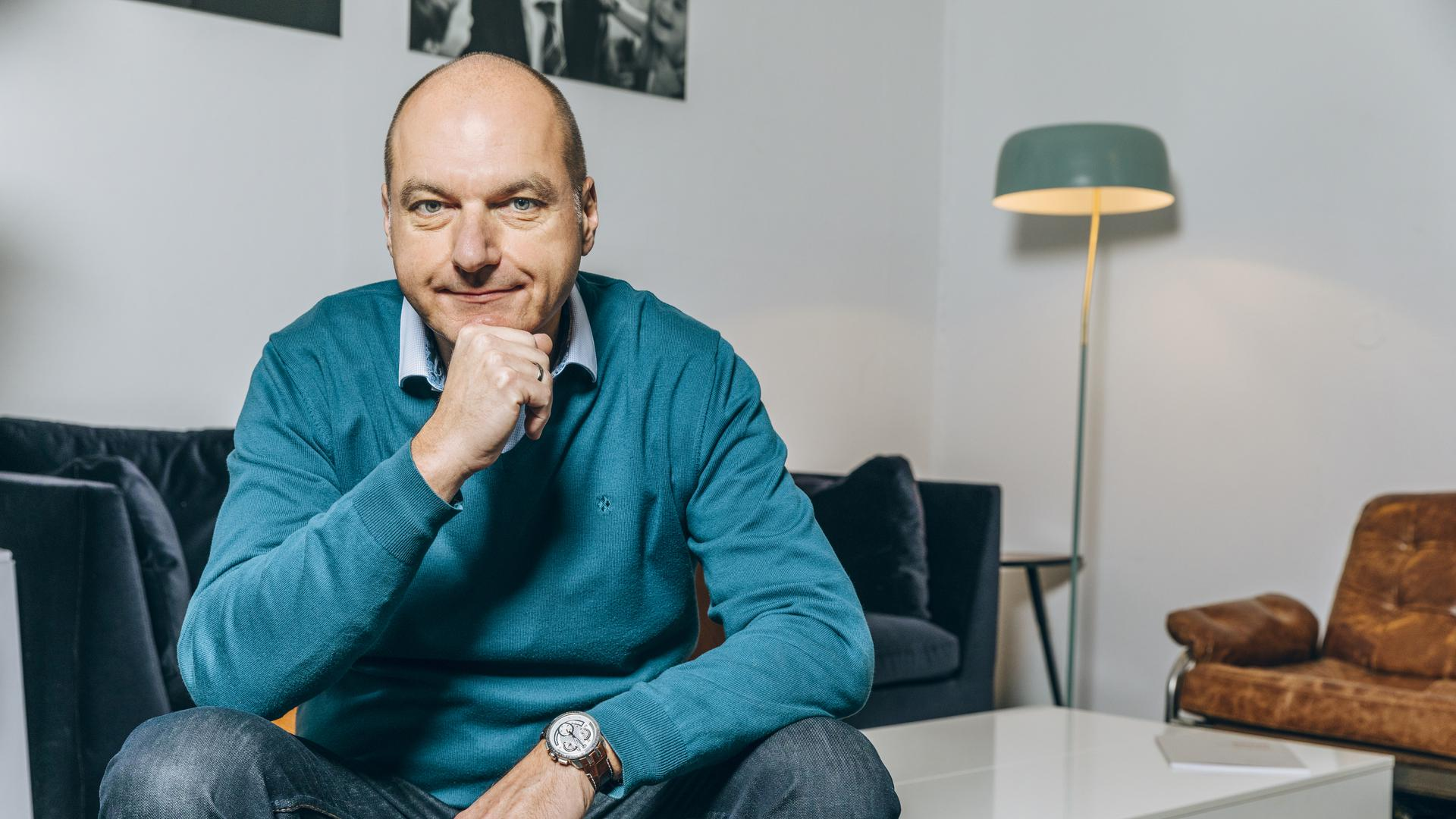 Auf ihn hören die Politiker: Der Freiburger Frank Stauss hat an über 30 Wahlkämpfen mitgearbeitet. Anfangs ging es um eine Kampagne für Bill Clinton, später arbeitete der 56-Jährige vor allem mit Parteigrößen der SPD zusammen.
