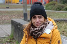 Kämpferin gegen staatliche Corona-Maßnahmen: Die Initiatorin der Karlsruher Querdenken-Gruppe, Güzey Israel, wehrt sich gegen die Vorwürfe, mit einer Protestaktion gegen die Corona-Verordnung des Landes Baden-Württemberg verstoßen zu haben.
