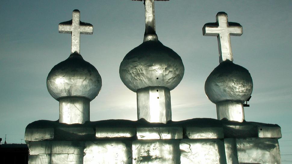 Eine Kirche aus Eis schmückt die russische Stadt Jakutsk, in der die Temperaturen auf Minus 50 Grad sinken können.
