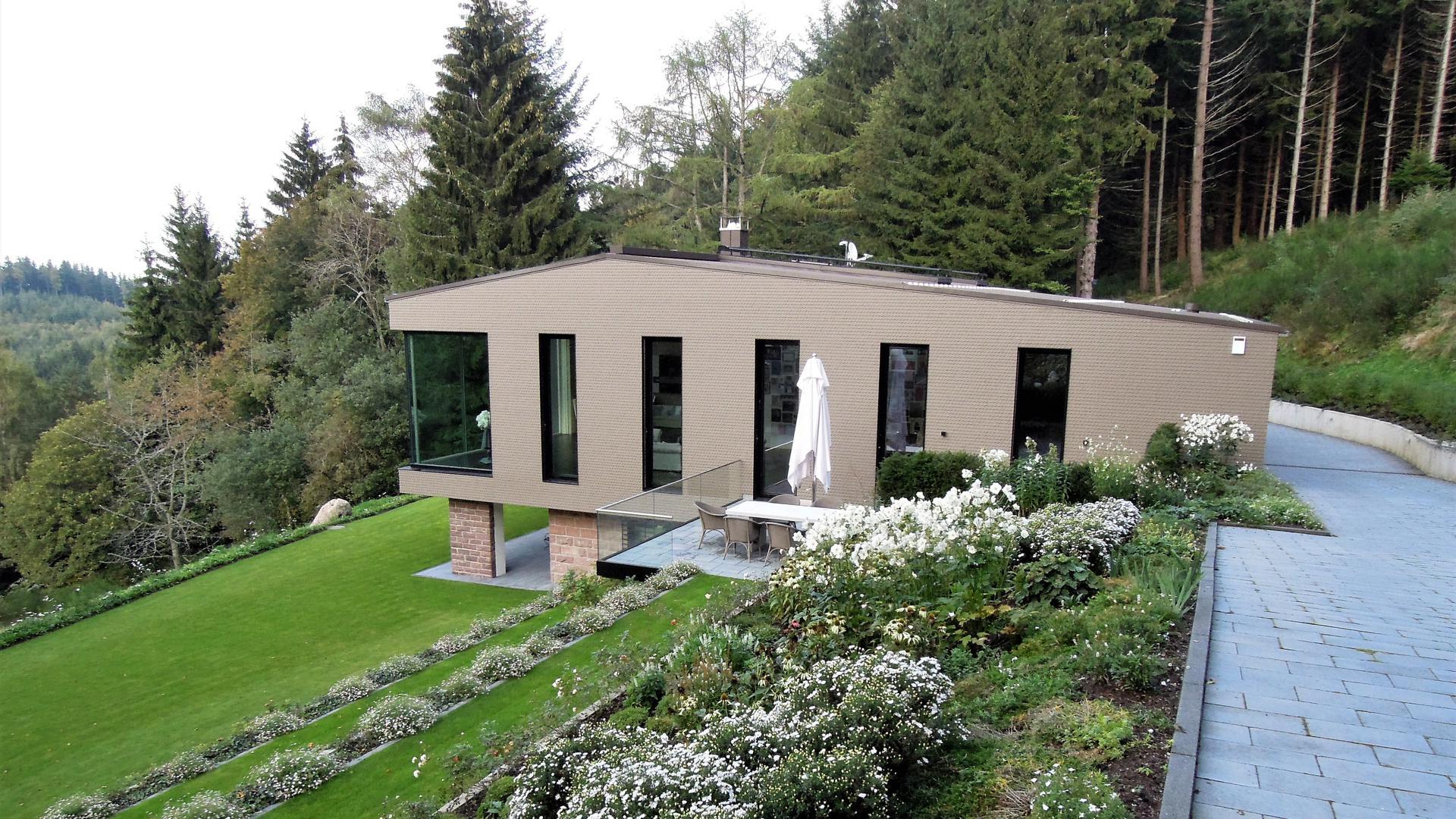 Das Wohnhaus eines Kunstsammlers im Schwarzwald hat der Bühler Architekt Thomas Bechtold entworfen.