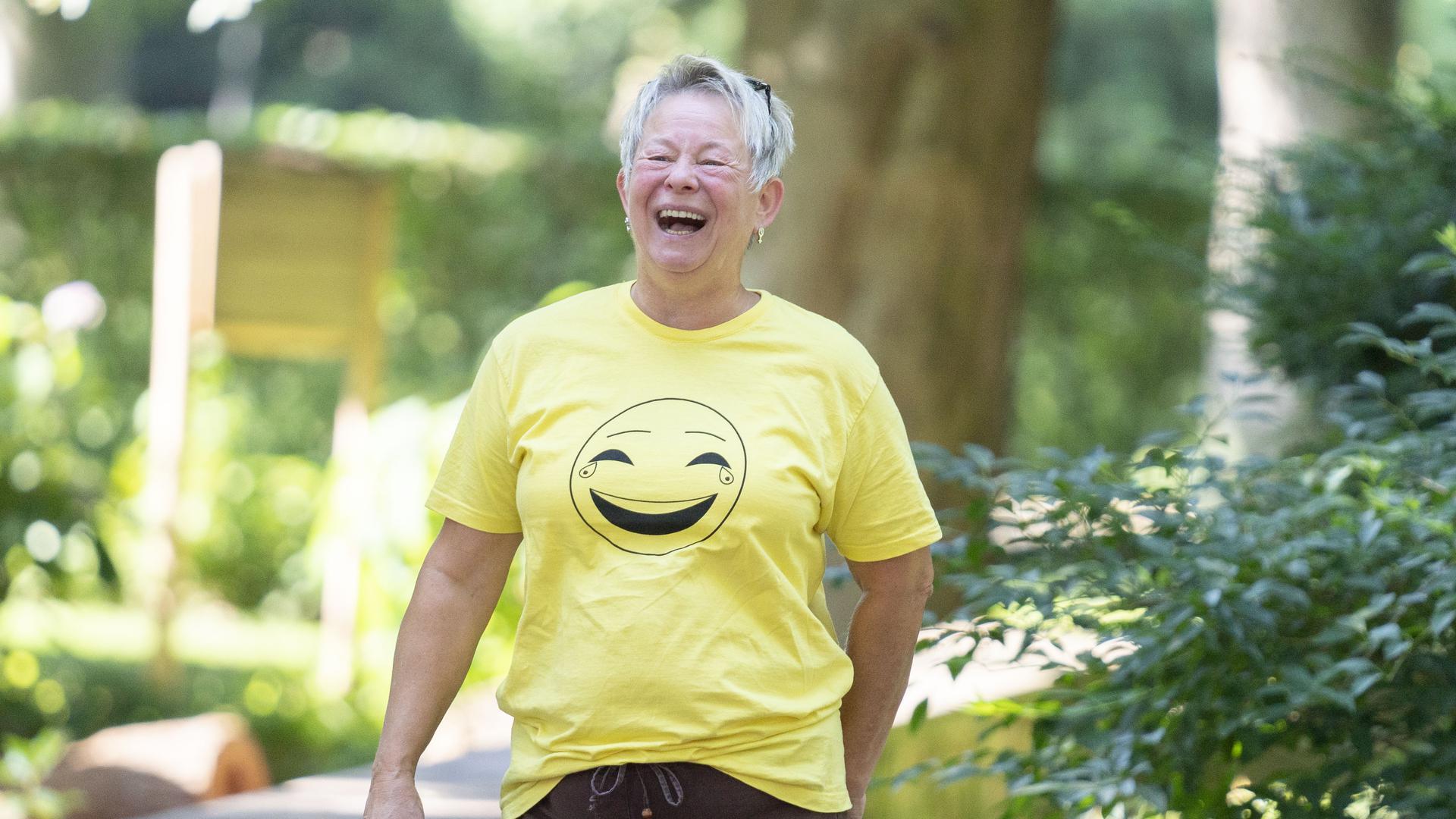 Gezieltes Lachen soll dem Wohlbefinden helfen. Gabriele Ott aus Eggenstein-Leopoldshafen hat das in einem Kurs erst selbst gelernt und bietet nun einen Kurs an.