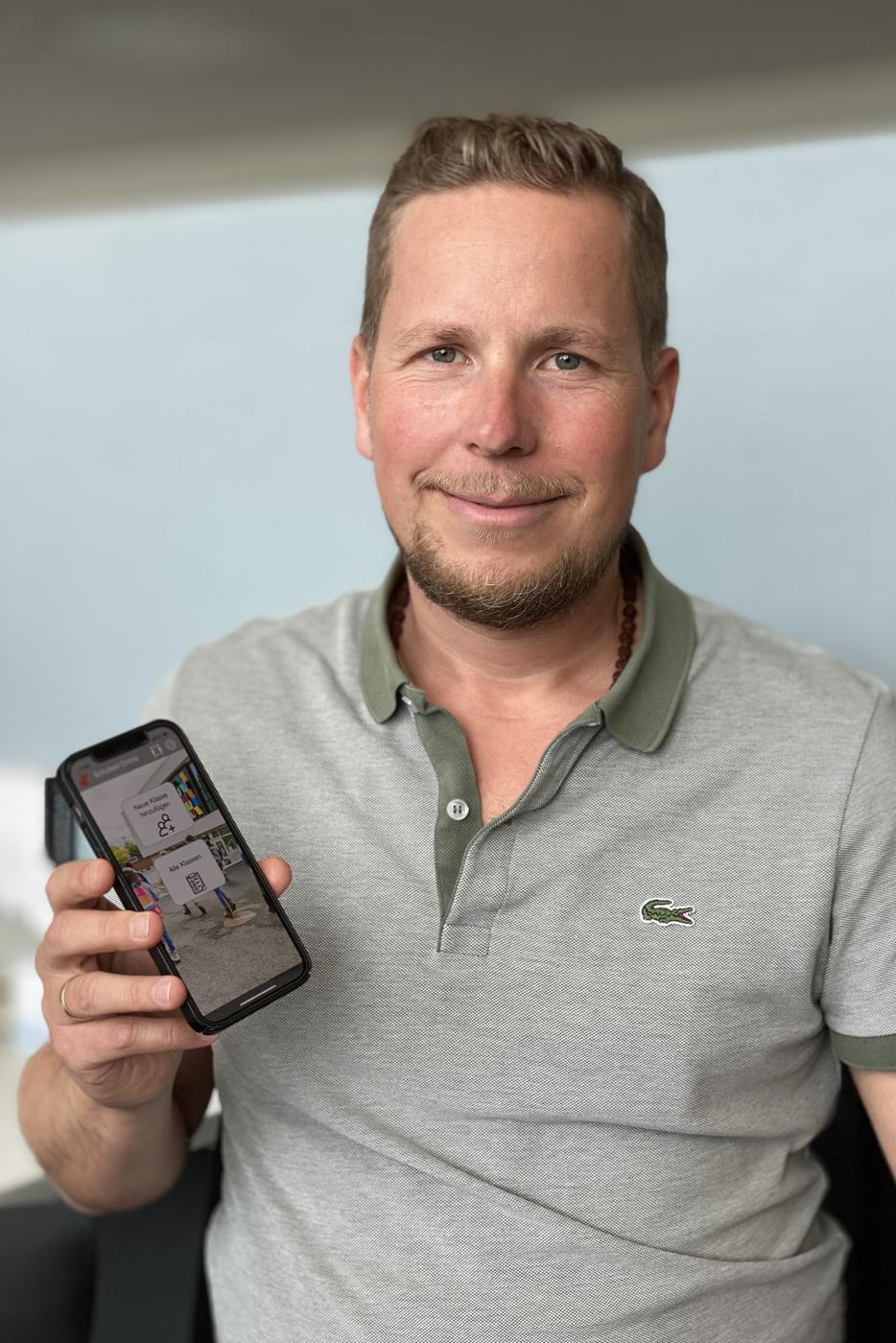 "Daniel Lott aus Karlsruhe, Programmierer der App ""Schultest online"""