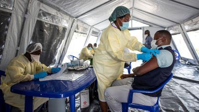 Globale Ungleichheit: Während in den reicheren Ländern der überwiegende Teil der Bevölkerung gegen Covid-19 geschützt ist, leiden viele Entwicklungsländer noch an einer akuten Impfstoffknappheit.