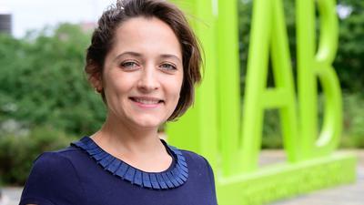Sie zieht eine überwiegend positive Bilanz der Integration von Flüchtlingen in Deutschland seit 2015: Yuliya Kosyakova beschäftigt sich mit Migration am Nürnberger Institut für Arbeitsmarkt- und Berufsforschung (IAB) und unterrichtet an der Universität Mannheim.