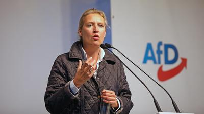 Besorgt über die mauen Umfragewerte: AfD-Spitzenkandidatin Alice Weidel bei einer Wahlkampfveranstaltung ihrer Partei am Sonntag in Pforzheim.