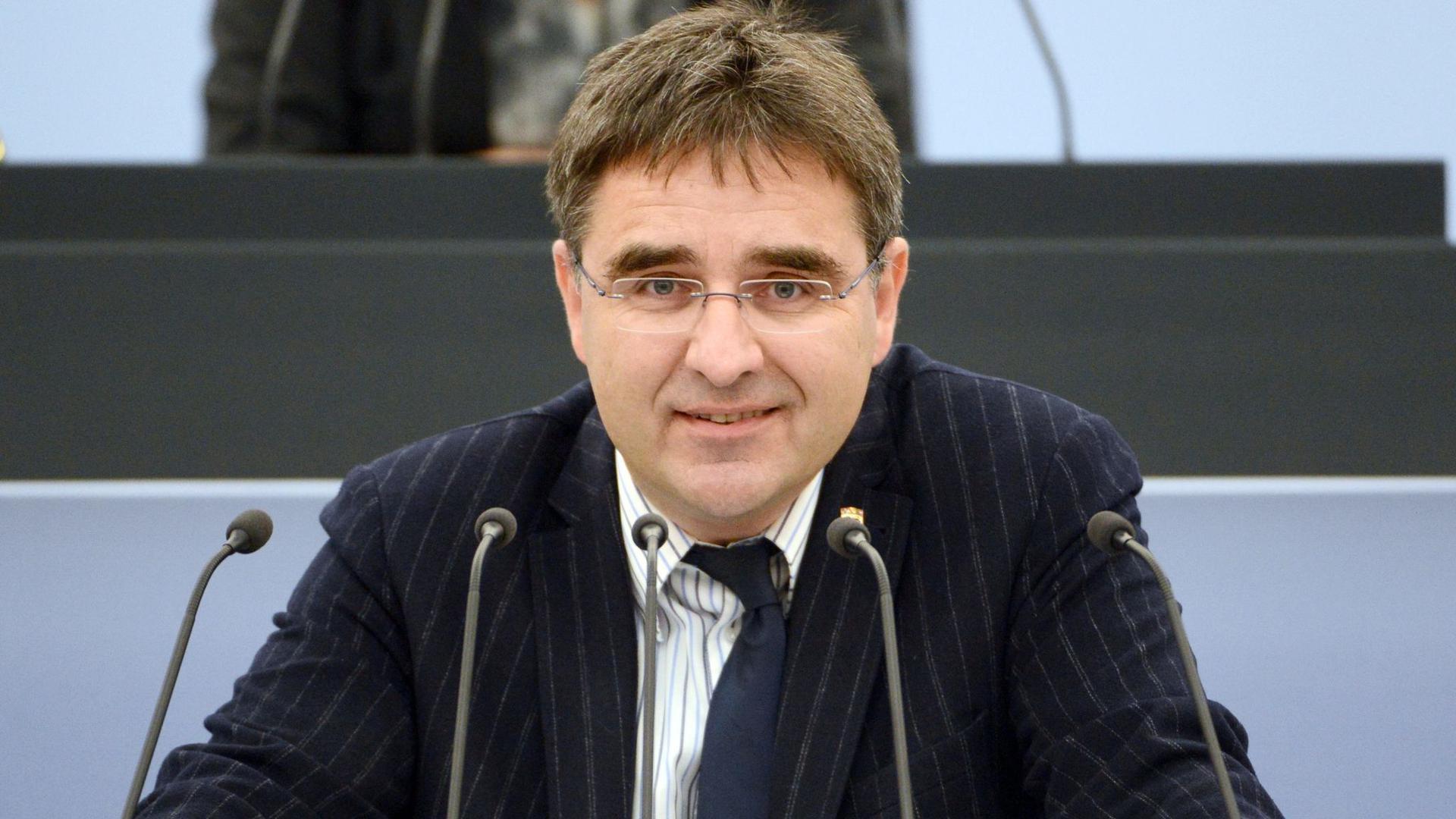 Der Landtagsabgeordnete Stefan Fulst-Blei (SPD) spricht im Landtag von Baden-Württemberg.