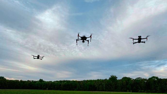 Karlsruher Drohnen-Piloten retten 50 Rehkitze vor dem Traktor-Tod
