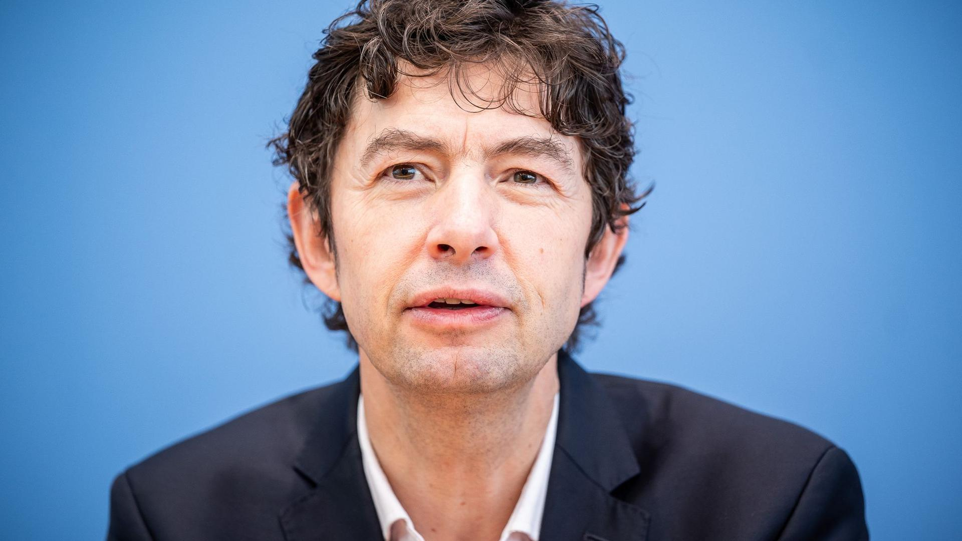 Prof. Dr. Christian Drosten, Direktor Institut für Virologie, Charité Berlin.