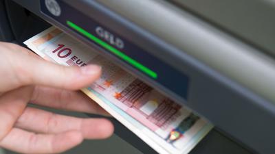 Banken sind grundsätzlich verpflichtet, auf Antrag einBasiskonto ohne vorherige Prüfung der Person einzurichten.