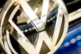 Volkswagen baut seine eigenen IT-Aktivitäten weiter aus, zeigt sich bei der zunehmenden Digitalisierung in Autos und Geschäftsprozesse aber auch offen für neue Partnerschaften.