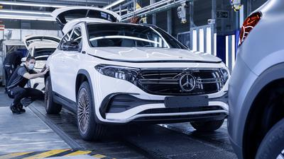 Mercedes-EQ. Produktion EQA im Werk Rastatt; EQA 250 (Stromverbrauch kombiniert: 15,7 kWh/100 km; CO2-Emissionen kombiniert: 0 g/km) // Mercedes-EQ. Production of the EQA in Rastatt plant; EQA 250 (combined electrical consumption: 15.7 kWh/100 km; combined CO2 emissions: 0 g/km)