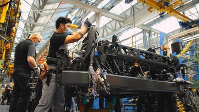 Der Mercedes-Benz eActros läuft ab 2021 im Werk Wörth vom Band.