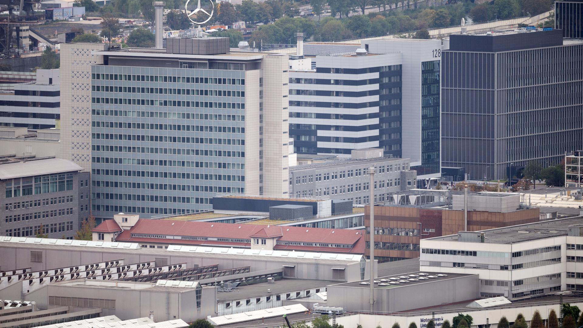 Blick auf das Mercedes-Benz Werk in Stuttgart-Untertürkheim.