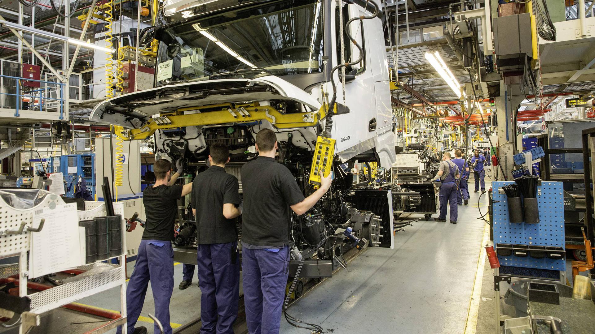 Mercedes-Benz Werk Wörth: Lkw-Produktion