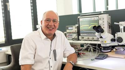 Picosens-Gründer Gerd Reime an seinem Lieblingsarbeitsplatz