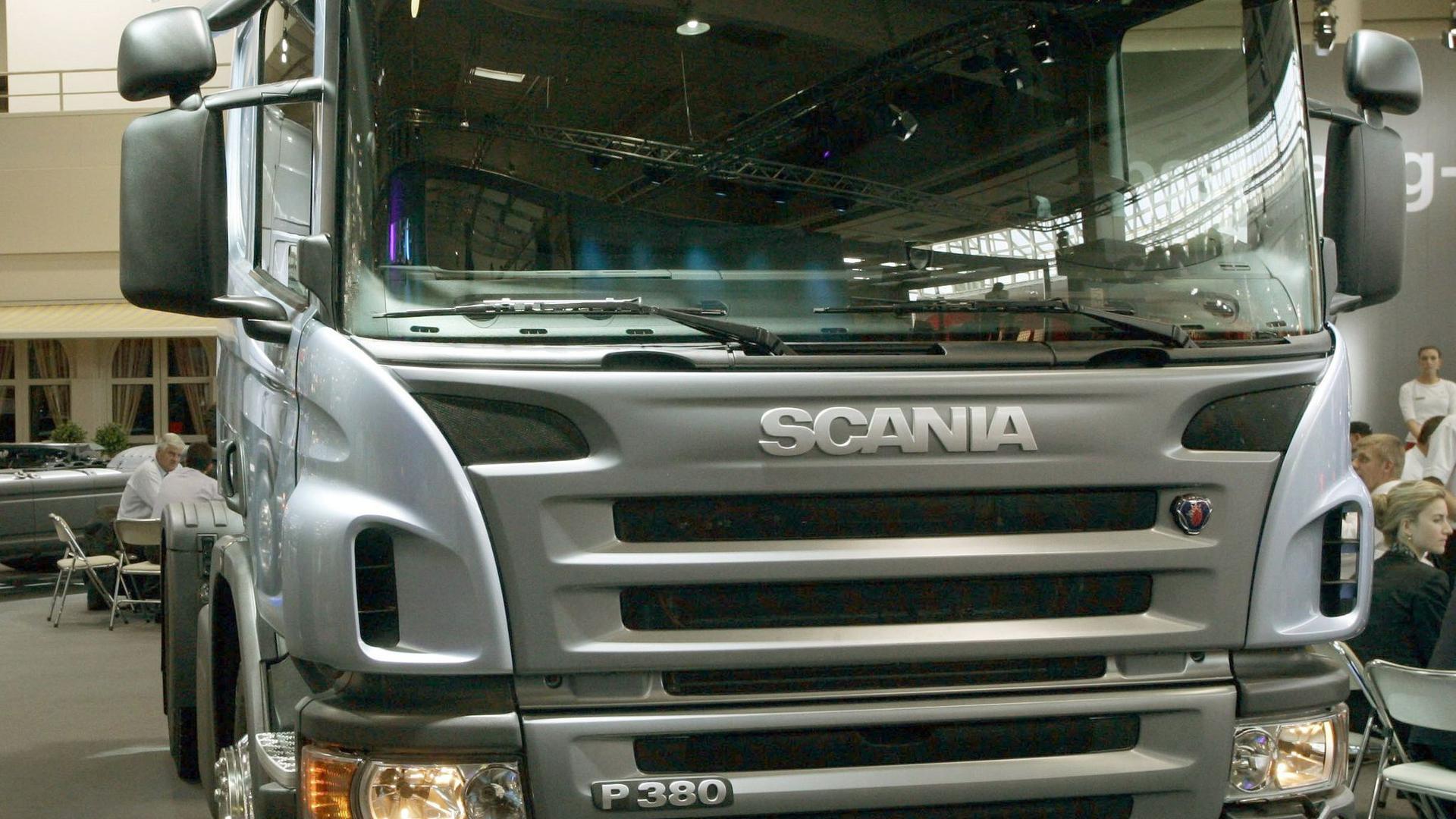 Die VW-Tochter Scania will im Zuge derCorona-Krise weltweit rund 5000 Stellen streichen.