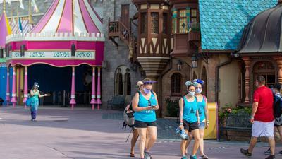 """Kaum Gäste im Freizeitpark """"Walt Disney World"""" in Florida."""