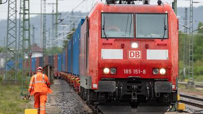 Die Deutsche Bahn (DB) und die Gewerkschaft EVG haben sich in ihren Tarifverhandlungen im Zuge der Corona-Krise in wichtigen Punkten verständigt.