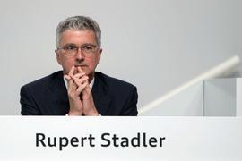 Das Landgericht München hat die Anklage gegen den früheren Audi-Chef Rupert Stadler wegen Betrugs in der Dieselaffäre zugelassen.
