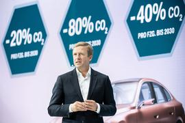 Oliver Zipse, Vorstandsvorsitzender der BMW AG spricht bei der Eröffnung eines Forschungs-Projekthauses des BMW Forschungs- und Innovationszentrums (FIZ).