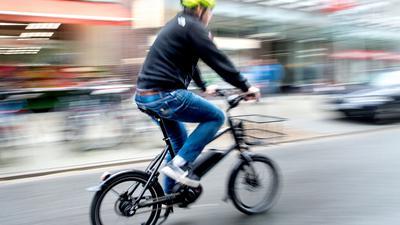 E-Bikes treiben die Fahrradbranche seit Jahren an mit teils zweistelligen Wachstumsraten beim Absatz.