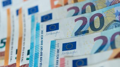 Euro-Bargeld könnte bald durch eine Digitalwährung ergänzt werden.