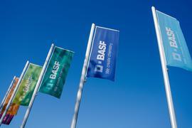 Für das laufende Jahr peilt BASF weiter einen Umsatz von 57 bis 58 Milliarden Euro an.