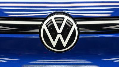Der weltgrößte Autobauer Volkswagen schneidet nach dem Milliardenverlust im Frühjahr im dritten Quartal wieder deutlich besser ab.