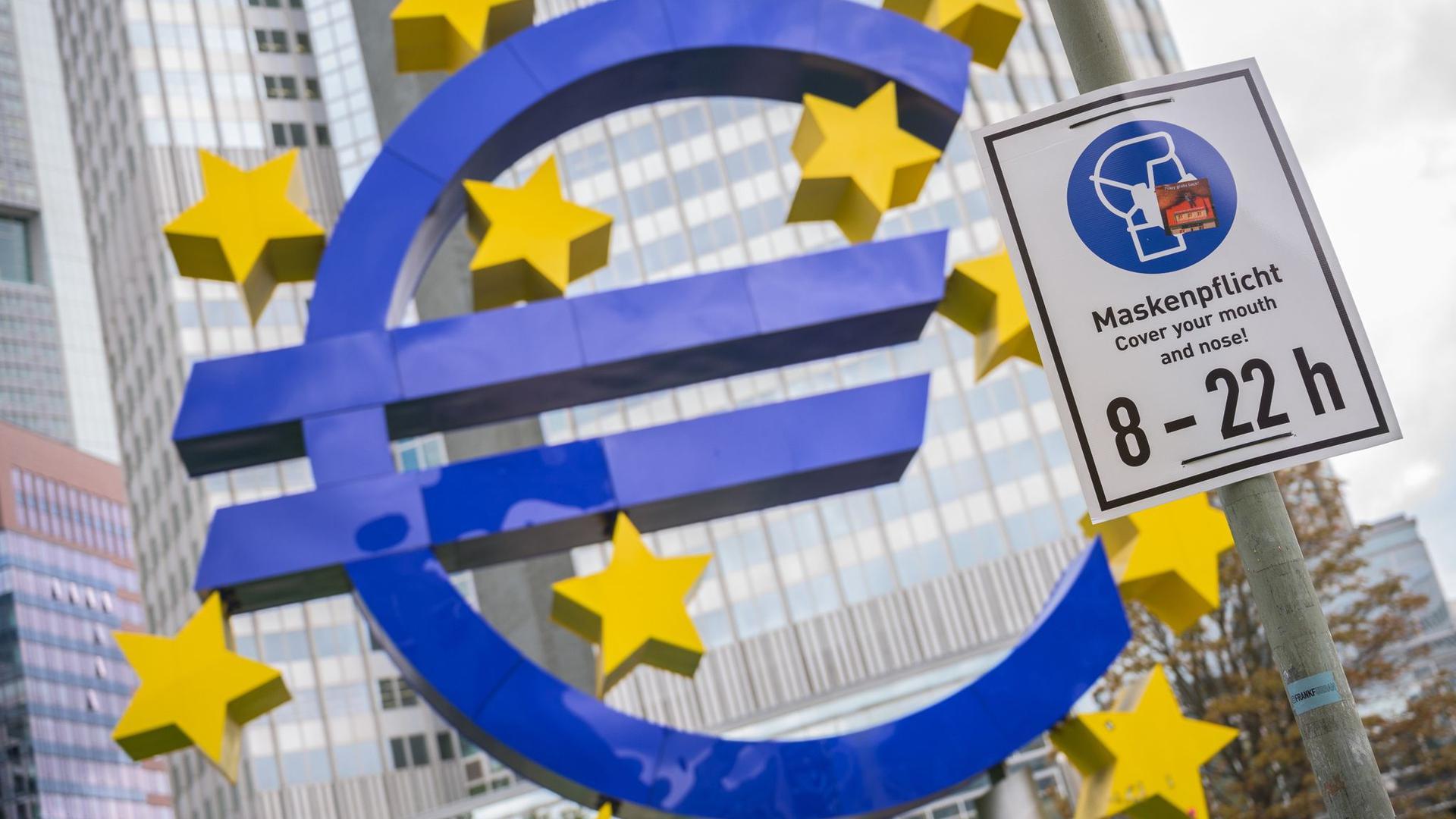 Bei den Zinsen hat die EZB wenig Spielraum. Der Leitzins im Euroraum liegt seit viereinhalb Jahren auf dem Rekordtief von null Prozent.