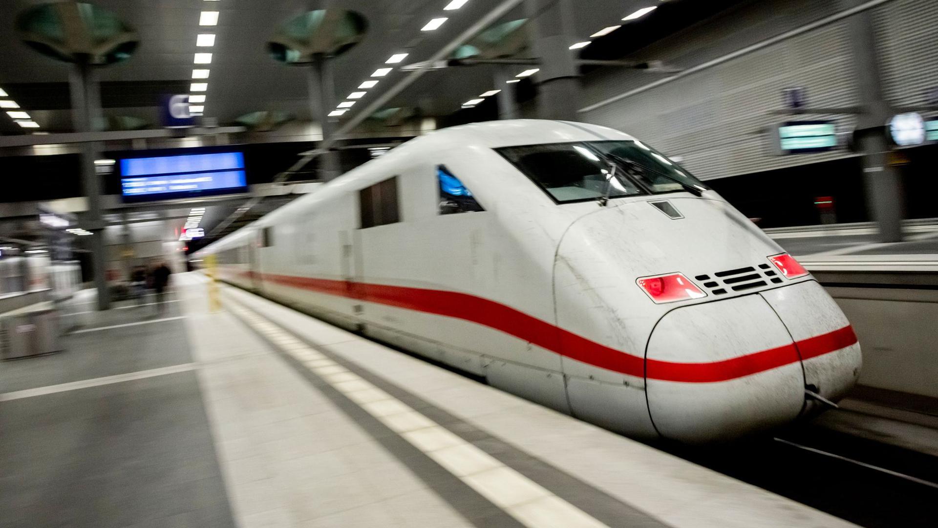 Die Bahn will ihren Fahrplan auch im zweiten Teil-Lockdown aufrecht erhalten.