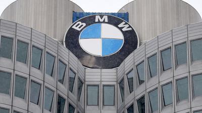 Die Zentrale des Autobauers BMW in München. Der Autobauer stellt den Bau von Benzin- und Dieselmotoren im Stammwerk München ein.