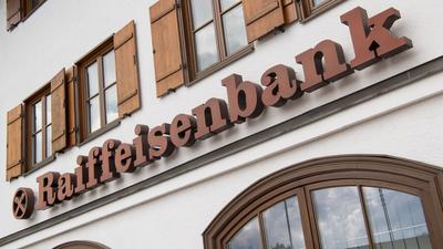 Die regionalen Banken - darunter etwa die Raiffeisenbanken - kommen bislang gut durch die Krise.
