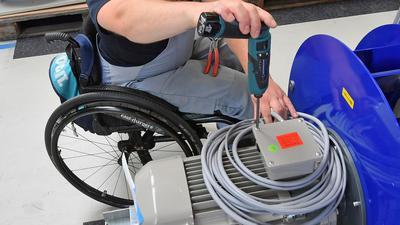 Im Schnitt suchten arbeitslose Menschen mit Behinderung zuletzt 100 Tage länger nach einer neuen Stelle als Menschen ohne Behinderung.