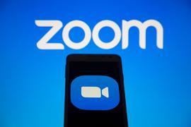 Der Videokonferenz-Dienst Zoom will seine Kassen über ein Aktienangebot im Wert von mindestens 1,5 Milliarden Dollar füllen.
