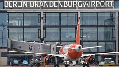 Rentiert sich noch nicht:Knapp drei Monate nach der Eröffnung des BER nutzen täglich nur einige Tausend Passagiere den neuen Hauptstadtflughafen.
