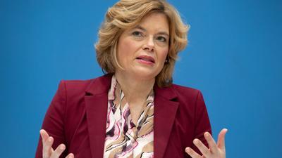 Die EU-Agrarminister, unter ihnen auch Landwirtschaftsministerin Julia Klöckner, betonen die Wichtigkeit einer zügigen Einigung bei der Agrarreform.