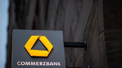 Die Commerzbank gibt weitere 340 Standorte auf. 200 Filialen, die während der Pandemie geschlossen waren, hatte die Bank erst gar nicht wieder geöffnet.
