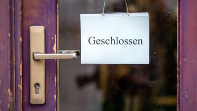 """Die Geschäfte sind weiter geschlossen und die Stimmung in der Wirtschaft ist """"katastrophal""""."""